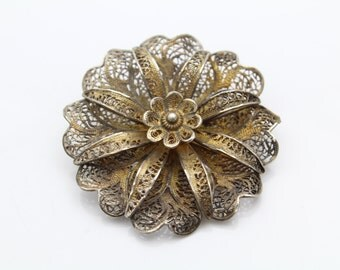 Vintage 3D Flower Brooch in Filigree 800 Silver. [8074]