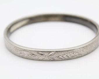 """Vintage Kestenmade Brushed Finish Slide Bangle Bracelet in Sterling Silver 7"""". [9672]"""