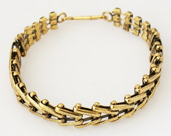 "Clearance ~ AA6710  8 1/2"" Gold Tone Bracelet ~ Great for Stacking"