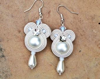 pearl bridal soutache earrings in off white orecchini soutache, pendientes soutache, boucles d'oreilles