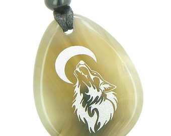 Amulet Brave and Protection Howling Wolf Moon Good Luck Powers Agate Pendant Necklace