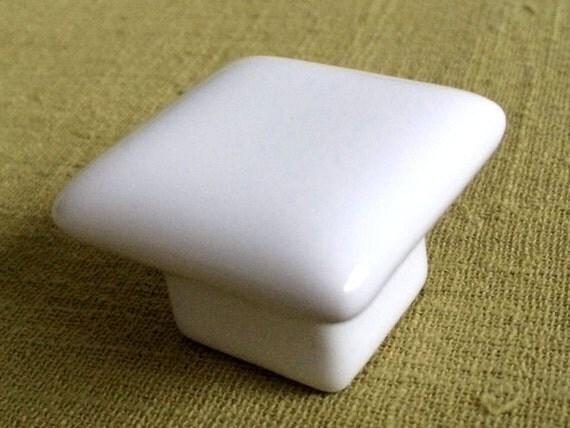 Dresser Knob Drawer Knobs Pulls Handles / Cabinet Knobs White