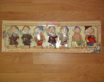 Disney's Snow White and the Seven Dwarfs - Seven Dwarfs Dolls