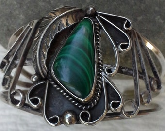 Vintage Navajo cuff bracelet from 1970's with green malachite and  handcrafted sterling silver