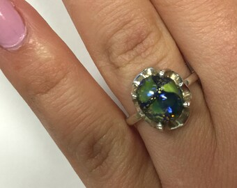 Vintage ladies Multi Colored Glass Ring (looks like Earth) Size 7