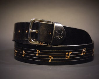 Leather belt whit musical score, Made in Italy. Decorated with musical notes, black. Rock music belt. Country music belt.