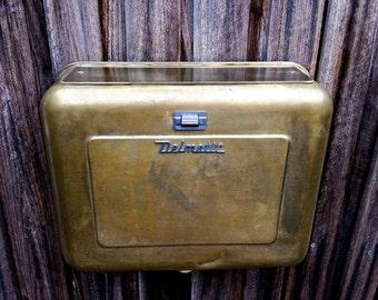 vintage brass cistern, retro cistern, retro toilet, retro bathroom, vintage bathroom, toilet cistern