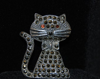 Cat Vintage Brooch