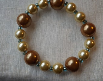 Pearl Bracelet in shades of gold and butter yellow