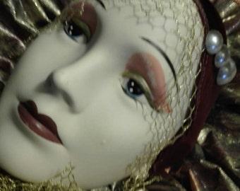 Mask vintage chic