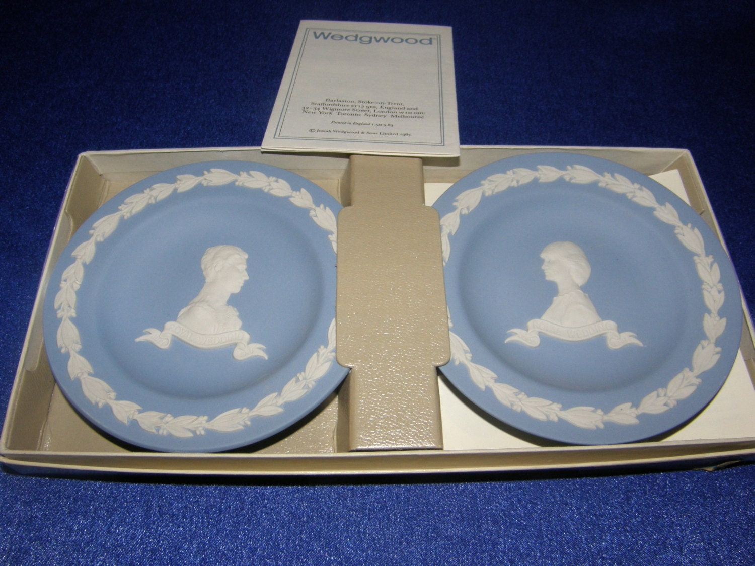 Prince charles princess diana wedding pin dishes by wedgwood for Diana dishes