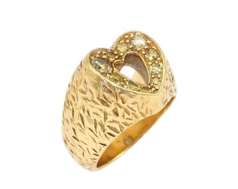 Yellow Diamond Heart Ring in 18kt Yellow Gold