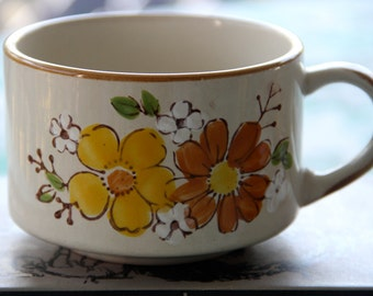 Vintage Retro 1970s  Ceramic Soup Cups