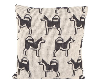 Husky Dog Knitted Cushion Cover