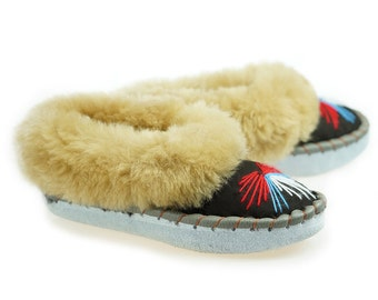 Leather SHEEPSKIN SLIPPERS Women Sheepskin Moccasins womens 100% Wool Slippers Handmade Moccasins Cool House Slippers Handmade bedroom