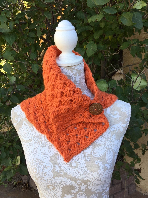 Indian Cross Stitch Cowl - a loom knit pattern