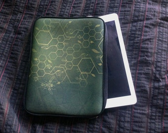 Green Bee Print IPAD CASE, iPad Cover, ipad sleeve, Geometry iPad case, iPad 3, iPad 4, Ipad 5, Fractal t, Bee, hexagon