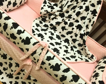 Cow Crib Set. Baby Pink.