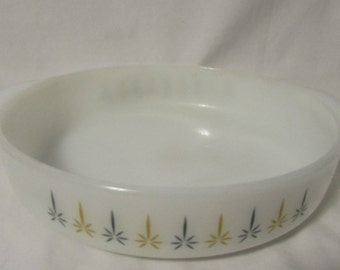 Serving Dish, Shallow Casserole, FireKing, USA, 1960's