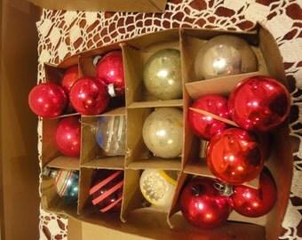 18 Christmas Ornament/Shiny Brite Ornament/Vintage Tree Ornament/Vintage Christmas/ 18 Glass Tree Ornament/Vintage Christmas Tree/Ornamentss