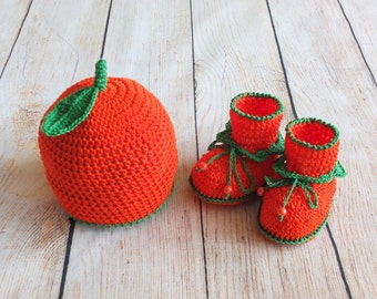 Orange Baby hat and Booties Set -  Crochet Baby Booties and hat set - Newborn Photo prop - Ready to ship