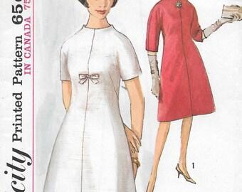 Vintage 1960s Simplicity Sewing Pattern 5233- Misses' Dress size 14 bust 34 uncut