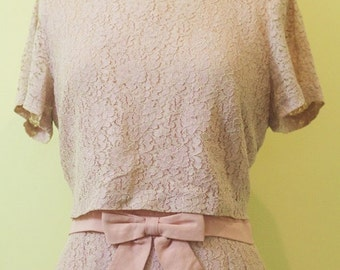 Stunning 1950's Soft Pink Lace Cocktail Dress Large