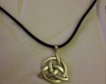 Celtic Trinity Pendant Necklace