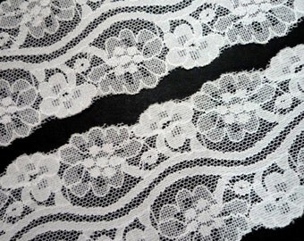 5 yds / 4.5 meters Offwhite / Semi white Flower Scallop Stretch Lace Trim 2-3/8 inch / 6 cm  for Evening Gown L480