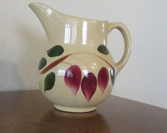 Vintage Watt pitcher, teardrop, Made in USA-free shipping USA