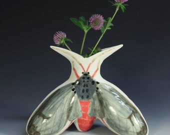 Flower moth vase