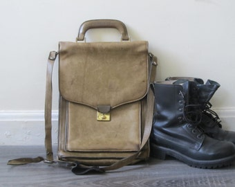 Leather messenger bag, Vintage Olive Green crossbody briefcase attache laptop bag, made in Italy
