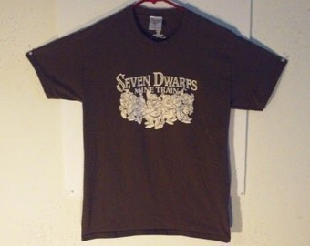 Brown Seven Dwarfs T-Shirt women's/youth Large