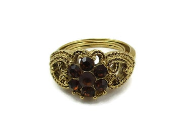 Crown Trifari Brown Amber Gold Tone Ring Rope Hearts Cluster Style Adjustable Size 4 5 6 Designer Signed Vintage Fashion Costume Paula