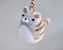 Needle felt cat keychain, needle felted cat, animal keychain, needle felted kitty, cat figurine, amigurumi cat keychain, cat lover gift