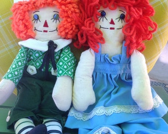 Vintage 70's handmade Raggedy Ann and Andy dolls/ red head dolls/ yarn hair dolls/ vintage dolls/ doll couple/ I love you dolls/