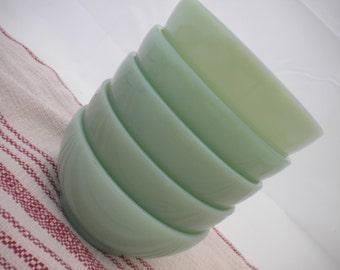 Vintage Jadeite cereal bowls (4)