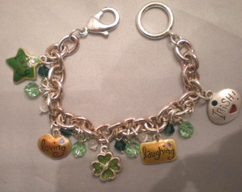 Irish bracelet in silver metal