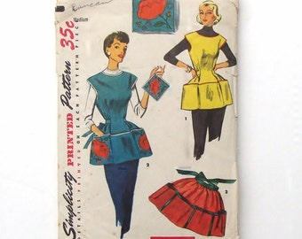 Vintage 1953 Simplicity Apron Sewing Pattern #4492 - Cobbler Apron, Half Apron and Pot Holder - Medium Size 16 - 18