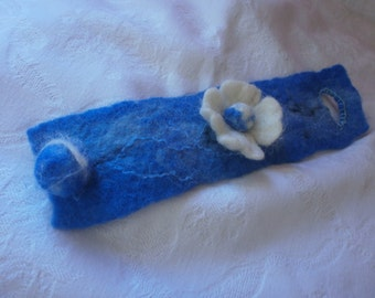 Felted bracelet, felt jewelry, felt poppy flower, wool blue white  bracelet felt, handmade wet felted wiol jewelry, accessories, jewellery