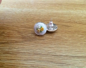 Embroidered Bouquet Earrings in Yellow
