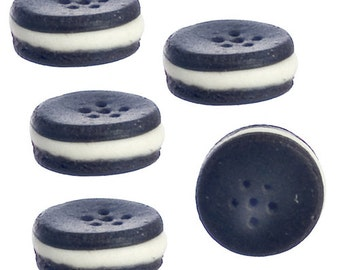 DOLLHOUSE MINIATURES 5 Pc Chocolate Sandwich Cookies #IM65510