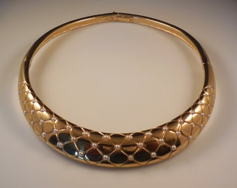 Vintage 1977 Givenchy Paris New York Faux Pearl Gold Plated Choker Style Necklace