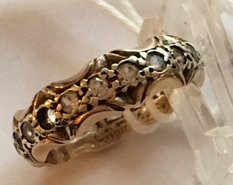 Victorian 9ct gold ornate eternity ring.