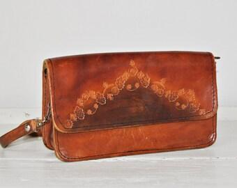 Vintage 1970's Brown Leather Saddle Bag - Tooled Distressed Leather - Women Shoulder Bag - Cross Body Bag - Boho Hippie