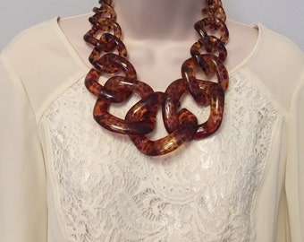 Tortoise Chunky Chain Link  Housewife Resin Statement Necklace