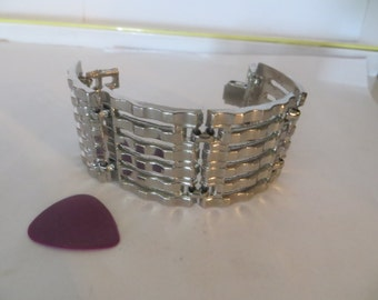 Big and Bold Mid Century Rockin Silver tone Chunky Bracelet Classic beauty
