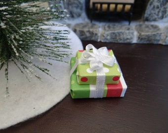 """Dollhouse Accessory Christmas Presents #4 Holiday Gifts  1"""" Scale 1:12 Miniature"""