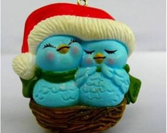 """VINTAGE AVON CHRISTMAS """"Nestled Together"""" Tree Ornament with Box - 1982"""