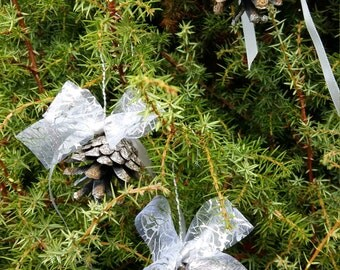 christmas tree ornaments natural pine cones rustic home decor winter silver gray handmade primitive cottage christmas wedding decors favors